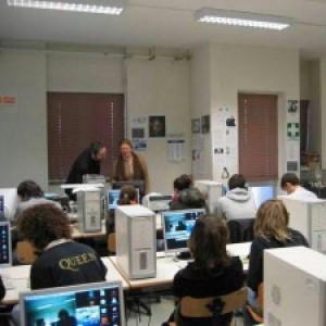 Ocse: scuola italiana sotto la media, ma migliora in matematica. E il Sud resta indietro