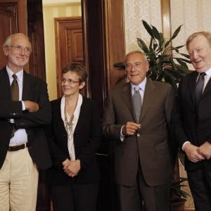 """Forza Italia contro i senatori a vita: """"Meriti insufficienti"""""""