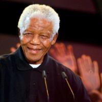 La straordinaria avventura di Mandela, il guerrigliero che si fece icona di pace