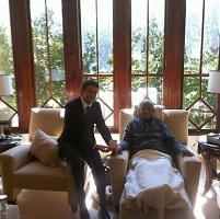 Renzi posta foto con Mandela, è polemica