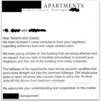 Sesso troppo rumoroso, i vicini si lamentano con un biglietto: la raccolta