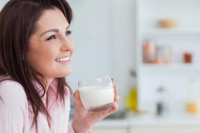 """Latte, allarme disinformazione sul web.  La ricerca: """"Alla salute fa solo bene"""""""