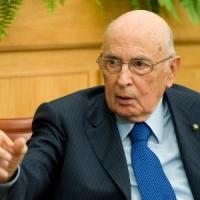 """Pd contro Fi-M5s: """"Aggressione squadrista contro Napolitano"""""""