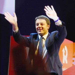 """Renzi presenta la nuova segreteria. E incontra Letta: """"Lavoreremo bene insieme"""""""