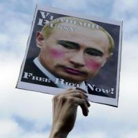 """Russia, Putin presenta l'amnistia. La stampa: """"Libere anche le Pussy Riot"""""""