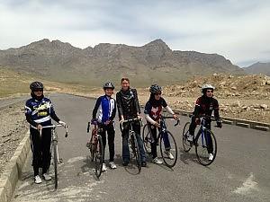 Andare in bicicletta non è così facile... La rivoluzione a pedali delle donne afgane