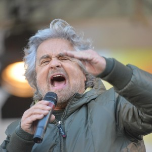 """Forconi, Grillo scrive alle forze dell'ordine: """"Unitevi alla protesta"""""""