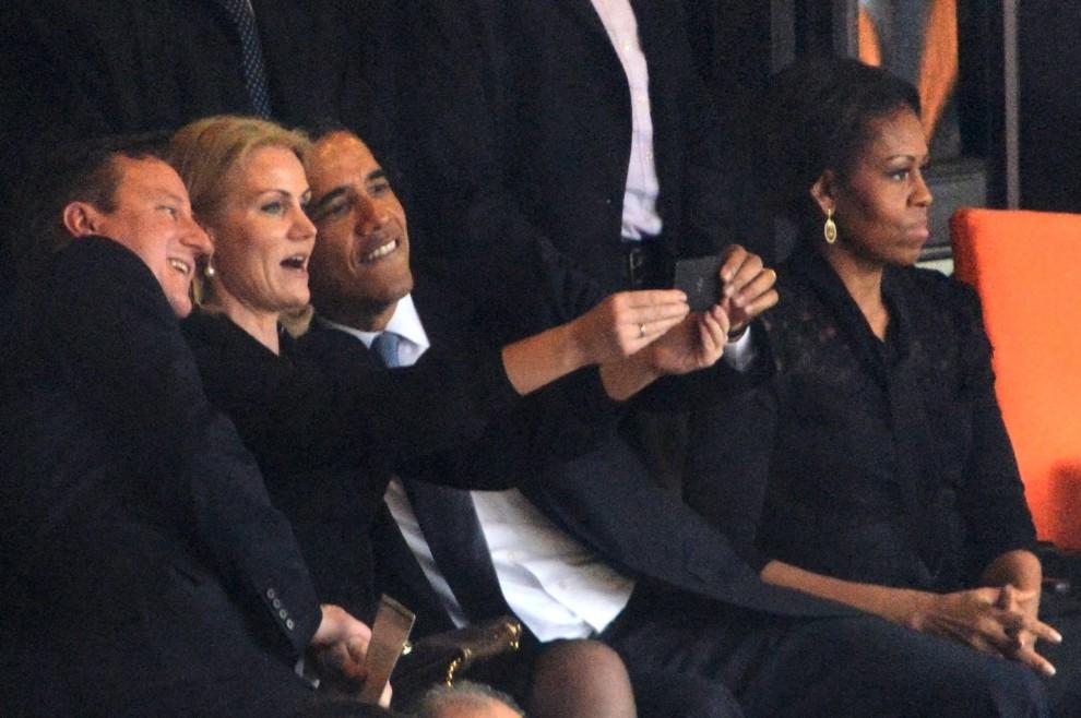 Obama,Cameron,Thorning-Schmidt alle esequie di Mandela