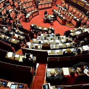 Costi della politica, Il Senato proroga i tagli su indennità e diarie.