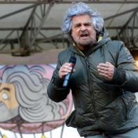 """Contro Grillo denunce in tutta Italia. Vendola: """"Guardarsi da chi evoca le forze del male"""""""
