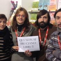 Savona, i librai contro i forconi: le immagini da Facebook