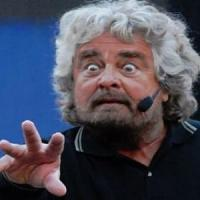"Grillo all'attacco di Napolitano: ""Comportamento inquietante, i partiti chiedano..."
