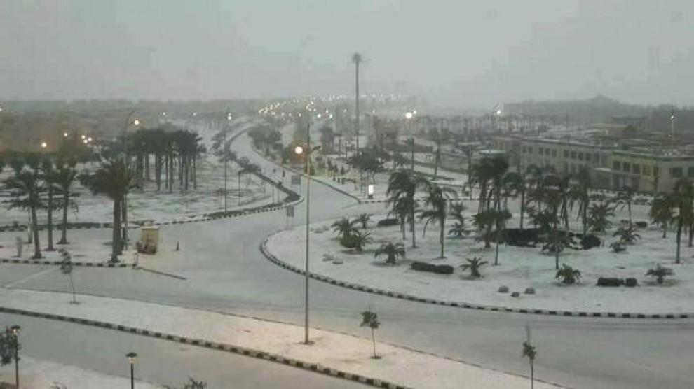 Il Cairo sotto la neve: non succedeva da più di 100 anni