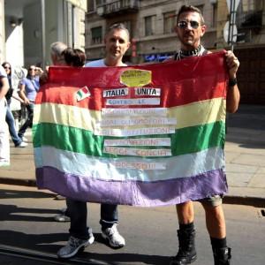 """""""L'orgoglio e i pregiudizi"""": comunicare senza discriminare omosessuali e transessuali"""