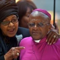 Mandela torna a casa. Ai funerali ci sarà anche Tutu