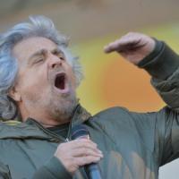 """Grillo chiude a Renzi: """"Legge elettorale la farà il prossimo Parlamento"""". Da Alfano aperture e sfide"""