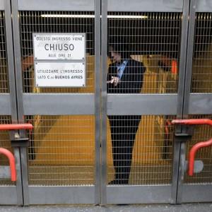 Sciopero dei trasporti, mobilità a rischio. Mattinata nel caos a Milano