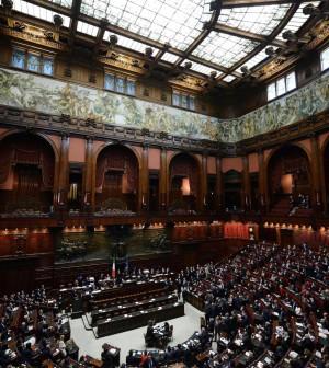 La politica costa 23 miliardi:  757 euro per cittadino, l'1,5% del Pil