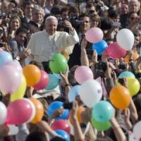'L'uomo dell'anno' Bergoglio stacca Wojtyla e Roncalli, premiata la Chiesa dei poveri