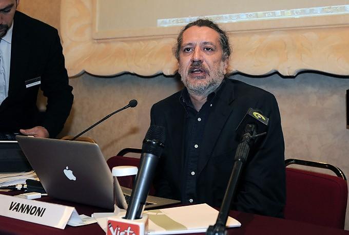 """Metodo Stamina, inchiesta dell'Espresso: """"I diritti sulla 'cura' depositati in Svizzera"""""""
