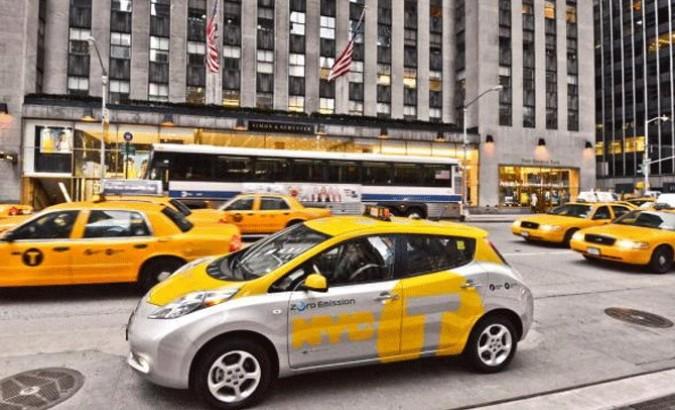 Nissan Leaf versione taxi, la città respira