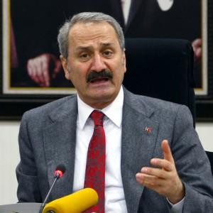 Turchia, pressing su Erdogan: si dimettono tre ministri