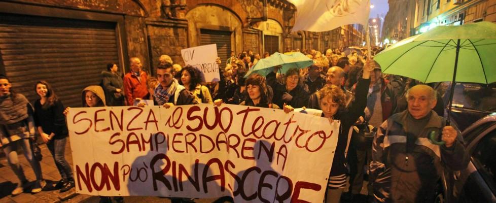 Genova, la nuova polveriera d'Italia  dove muoiono i sogni e il futuro non arriva