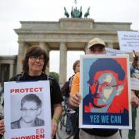 """Appello di New York Times e Guardiana Obama: """"Clemenza per Snowden"""""""