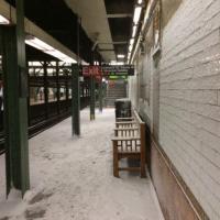 Usa, maltempo: nevica nella metropolitana a Brooklyn