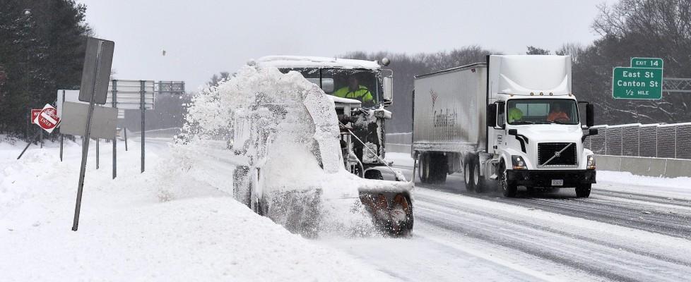 Supertempesta di neve si abbatte sugli Usa: sono 13 i morti per l'ondata di maltempo