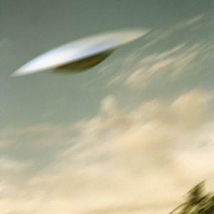 """""""Un Ufo mi ha costretto a una manovra d'emergenza"""": la storia di un pilota di linea inglese fa il giro del mondo"""