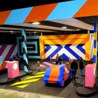 Irlanda, un pieno di street art: la pompa di benzina è a colori