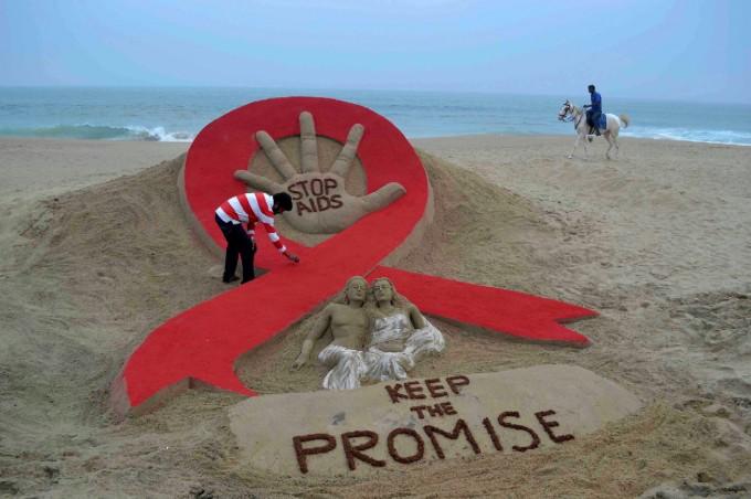 Crescono i contagi fra i giovani, così l'Aids torna a fare paura