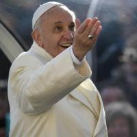 Papa battezza figlia di coppia sposata solo civilmente. A febbraio 16 nuovi cardinali