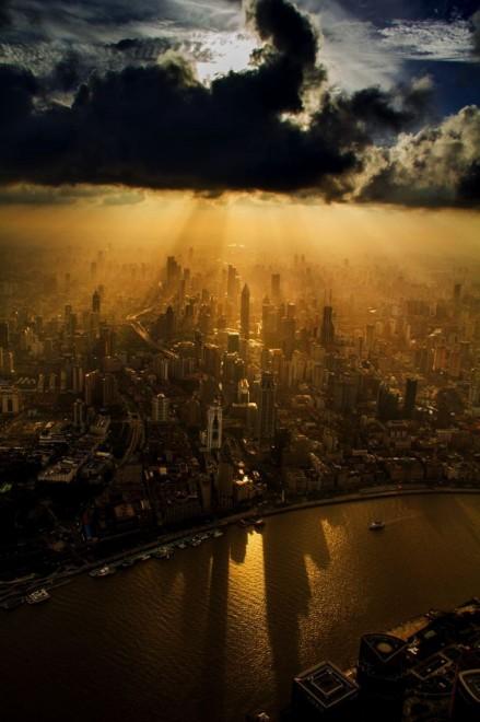 Shanghai Tower work in progress. Gli scatti dal tetto del mondo