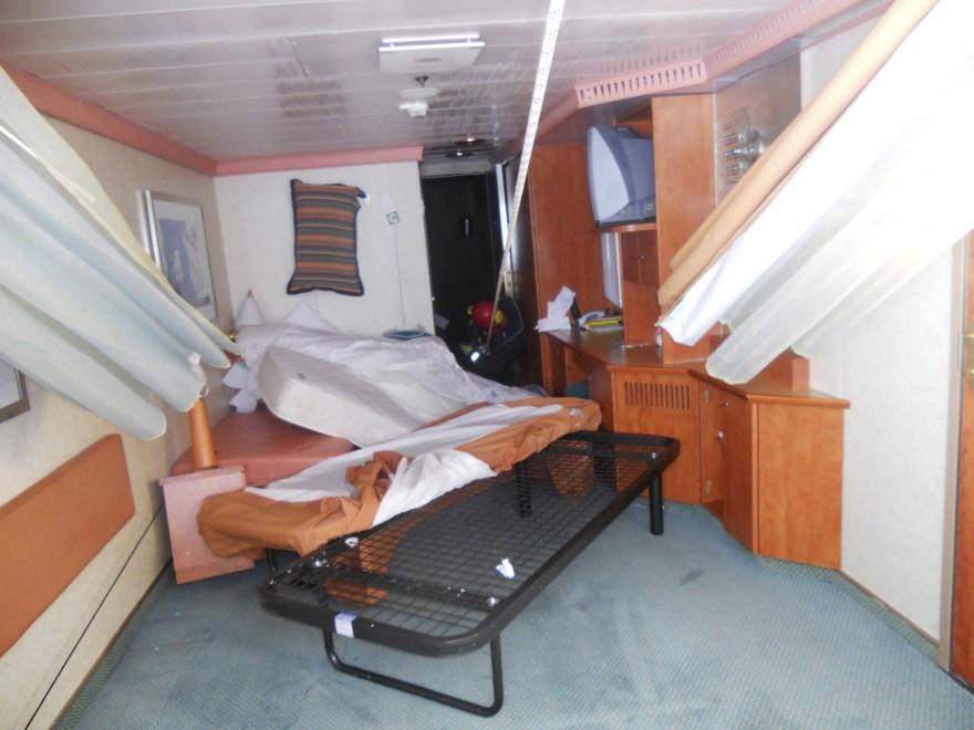 Concordia cabine a soqquadro dopo il naufragio for Cabine di giglio selvatico