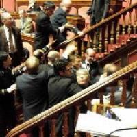 Reato clandestinità, Lega occupa uffici Grasso. Discussione rinviata a martedì