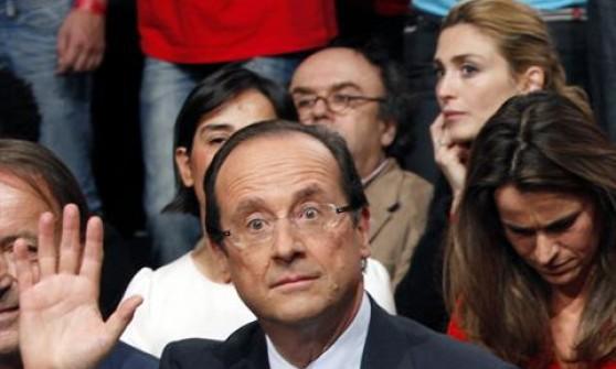 """""""Hollande e Gayet si amano da due anni"""", nuove rivelazioni della rivista Closer"""