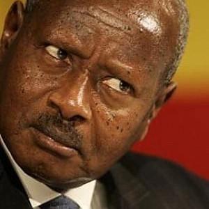 """Uganda, il presidente ferma la legge anti-gay. """"Malati, ma non meritano il carcere"""""""