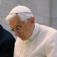 Molestie su minori, in due anni 400 preti ridotti a stato laicale da Benedetto XVI