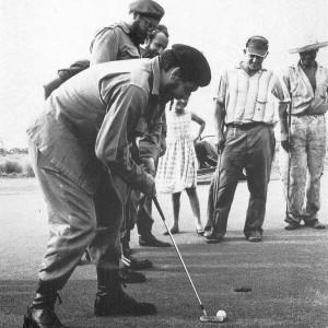 Che Guevara e Fidel Castro giocano a golf, la foto storica
