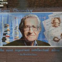 """Noam Chomsky: """"Quello che"""