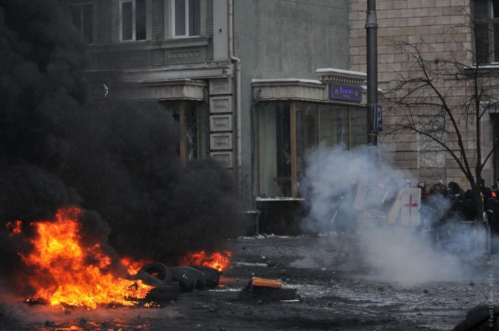 Pneumatici come molotov la protesta incendia kiev - La porta di kiev ...
