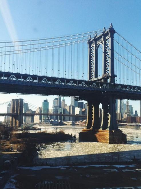 Il gelo avvolge Manhattan, anche l'East River è ghiacciato