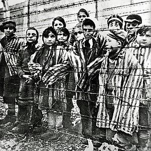 Giornata della Memoria, il mondo ricorda l'Olocausto. Letta: attenti a negazionismo