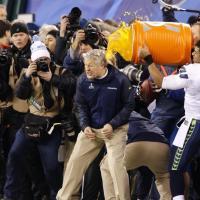Lo spettacolo del Super Bowl: Seattle campione per la prima volta