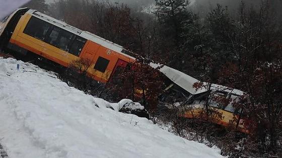 Francia, deraglia treno turistico in Provenza: 2 morti e 9 feriti