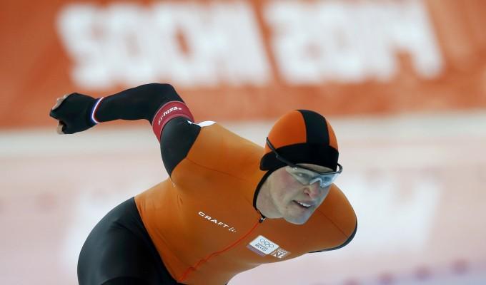 Pattinaggio velocità, tris olandese nei 5.000 metri. Oro e record per Kramer