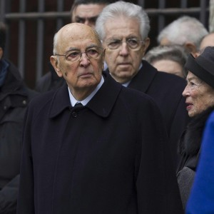 """<strong>Napolitano, impeachment archiviato. Ma Grillo insiste. E Prodi: """"Siamo gabbia di matti""""<br /></strong>"""