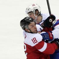 Sochi 2014, scontri sul ghiaccio. Lo spettacolo dell'hockey